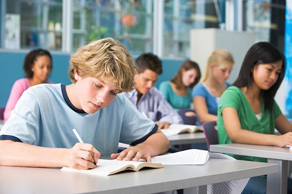 centro-didiomes-estrangers-cursos-adolescentes